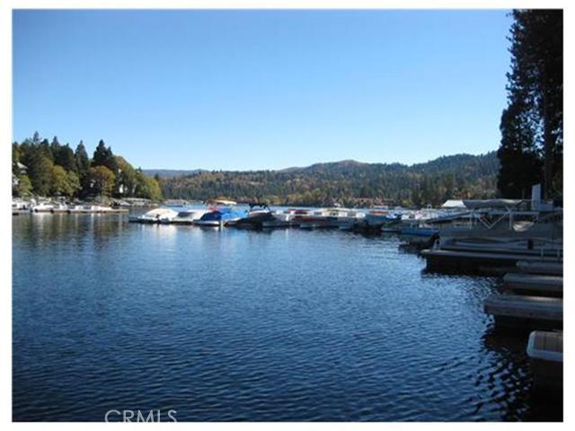 27443 N Bay Road, Lake Arrowhead CA: http://media.crmls.org/medias/33d84dd4-8ee5-430d-9418-6fcec86740e4.jpg