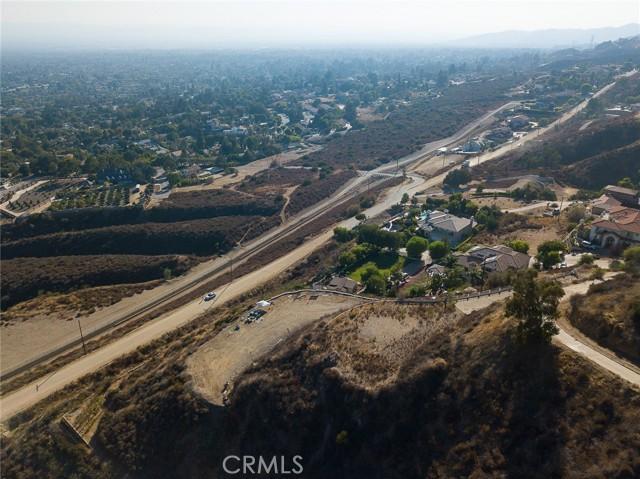19 E 26th Street, Upland CA: http://media.crmls.org/medias/33e5b88b-d275-4550-9b41-5793c8669f2f.jpg