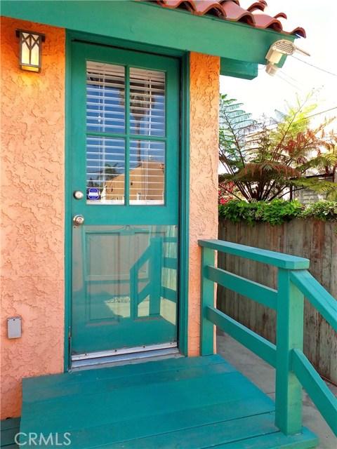1608 Ohio Avenue, Long Beach CA: http://media.crmls.org/medias/33ea6d8f-8623-4e03-a2e2-4de7e2127cd0.jpg