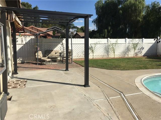 24103 Sandbow Street, Moreno Valley CA: http://media.crmls.org/medias/33ebc6df-f8ed-46bf-a42a-81cde6101b35.jpg