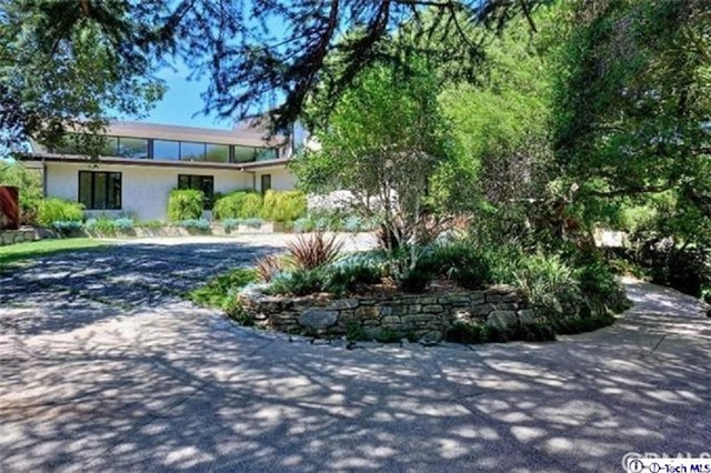 4245 Chula Senda Lane, La Canada Flintridge CA: http://media.crmls.org/medias/33efbee0-22a2-421c-93fc-a3b1bd865481.jpg
