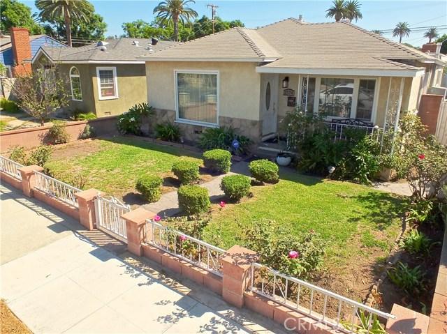 2774 Delta Avenue, Long Beach CA: http://media.crmls.org/medias/33f437bc-b8d7-4288-ba27-19eb23c14a03.jpg