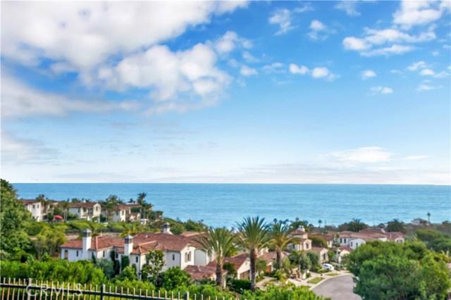 9 Greens Bluff, Newport Coast CA: http://media.crmls.org/medias/33f445c4-c9fd-4755-954d-413d69de46c5.jpg