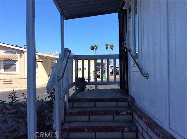 432 S Harbor Boulevard, Santa Ana CA: http://media.crmls.org/medias/33f553cc-feda-4497-9666-8b14c9cb4033.jpg