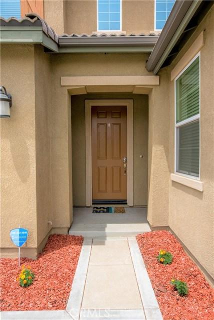 7832 Lemon Pepper Avenue, Fontana CA: http://media.crmls.org/medias/33fc1f85-0ced-4206-b6c7-b826f2a6bd4f.jpg