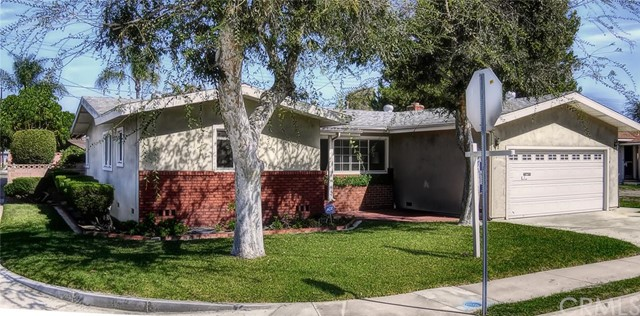 Single Family Home for Sale at 6151 Chinook St Westminster, California 92683 United States