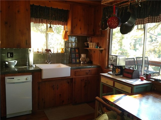 31046 Valley Oak Drive Running Springs Area, CA 92382 - MLS #: EV17246965