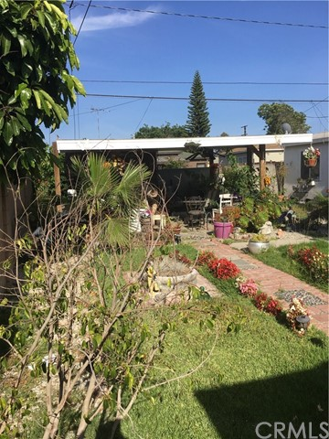 2204 N Grape Avenue Compton, CA 90222 - MLS #: DW17139069