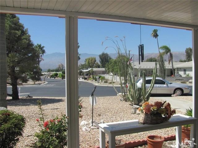 38934 Desert Greens Drive, Palm Desert CA: http://media.crmls.org/medias/3413d061-7663-4194-bf39-bbc04f82326f.jpg