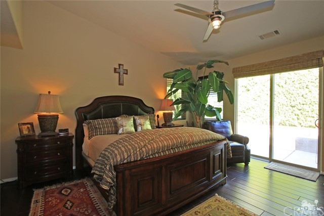 46180 Cypress Estates Court, Palm Desert CA: http://media.crmls.org/medias/34255d87-b0de-4324-94a4-596dd64c332b.jpg