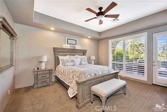 79840 Rancho La Quinta Drive, La Quinta CA: http://media.crmls.org/medias/342570f5-d9bf-44fc-90ac-d1474650b3d1.jpg