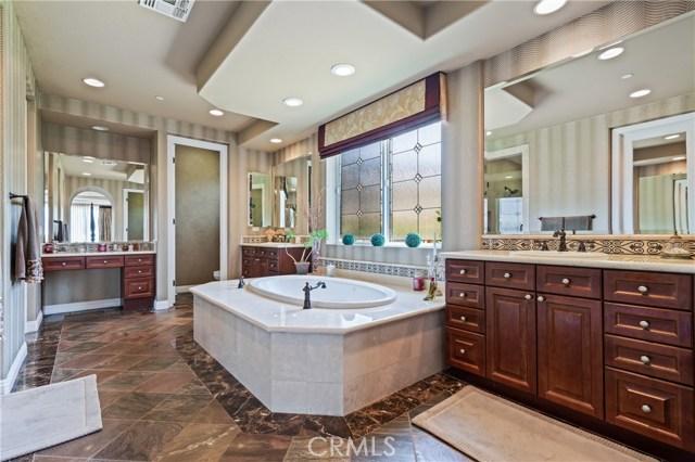 16762 Catena Drive, Chino Hills CA: http://media.crmls.org/medias/3428d017-e871-4d51-b415-5936ce6dc629.jpg