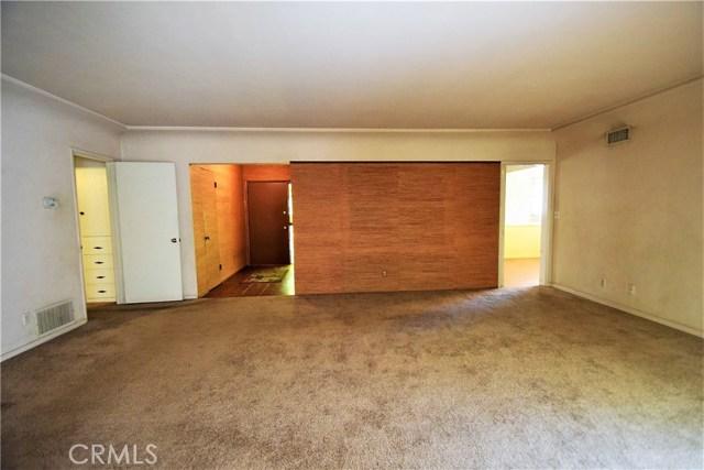 7354 Garden Street, Riverside CA: http://media.crmls.org/medias/343191bf-5e70-49bd-82c8-08b1d7a1d2e1.jpg