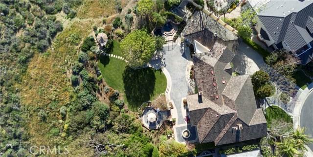 4 Summit, Irvine CA: http://media.crmls.org/medias/343191e8-1ac0-484c-966c-bd4560cf11f0.jpg