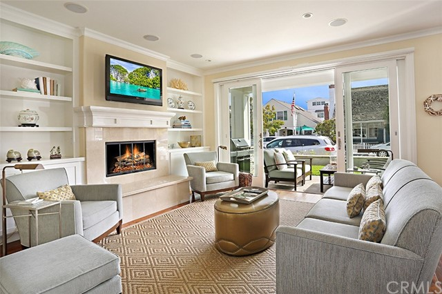 307 Apolena Avenue, Newport Beach CA: http://media.crmls.org/medias/343d5685-598f-47f4-bf68-5f05f7e2ad72.jpg