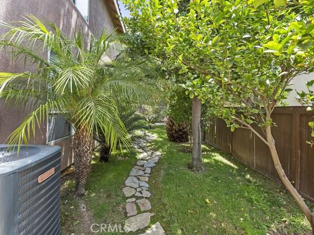 977 N Temescal Circle, Corona CA: http://media.crmls.org/medias/343edc11-0779-4d9c-ba12-18839dc5628f.jpg