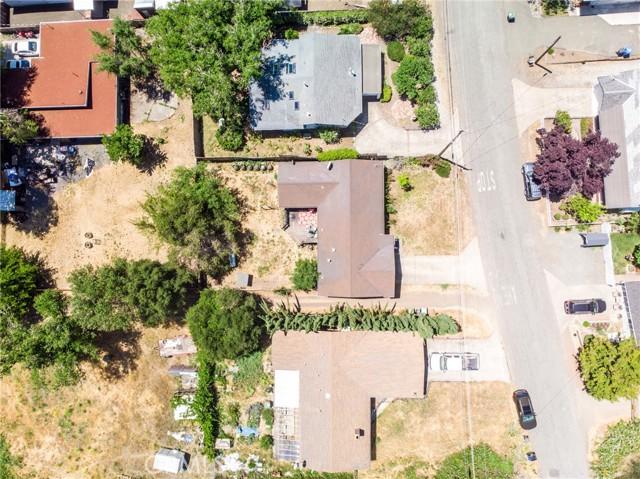 9916 Irvine Avenue, Upper Lake CA: http://media.crmls.org/medias/343fe11e-5359-4f97-be59-041a5e2195a8.jpg