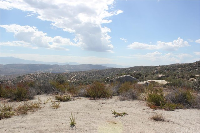 18 Polley, Nuevo/Lakeview, CA 92567