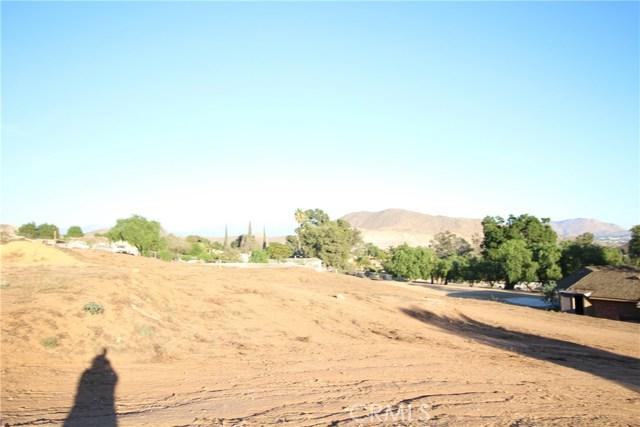 3791 Scenic Drive, Riverside CA: http://media.crmls.org/medias/345ba3ea-169e-4e3a-ba80-e6151f221d83.jpg