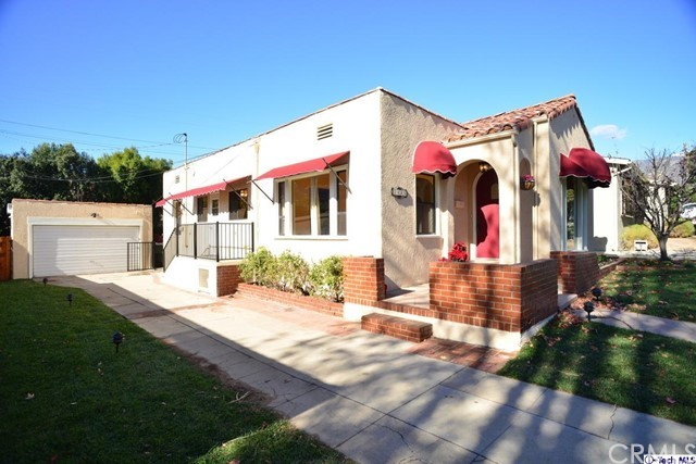 3445 LAS PALMAS Avenue, Glendale CA: http://media.crmls.org/medias/345dd53a-35b3-4f9d-bd0d-a87a2a0717bc.jpg