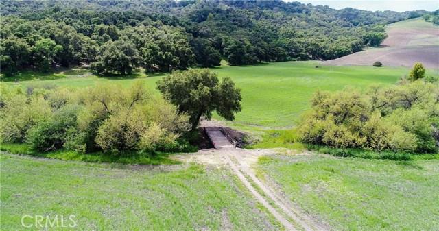 8225 Vineyard Drive, Paso Robles CA: http://media.crmls.org/medias/3464702c-8462-4687-8910-358280264534.jpg