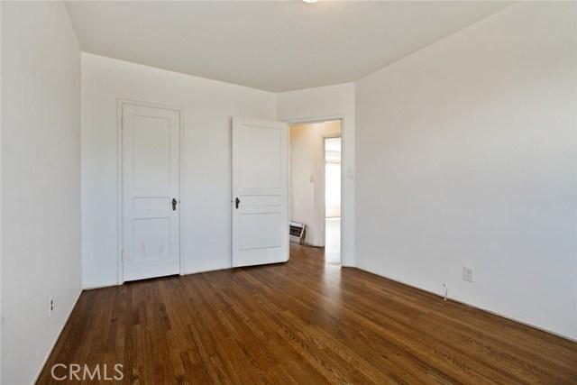 3965 S Victoria Avenue View Park, CA 90008 - MLS #: WS17116528
