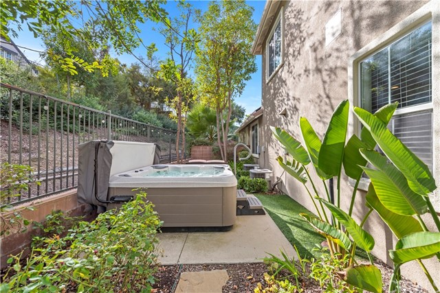 1 Flintridge Avenue, Ladera Ranch CA: http://media.crmls.org/medias/346c000c-4653-4e2a-b3a1-2798af5f38e2.jpg