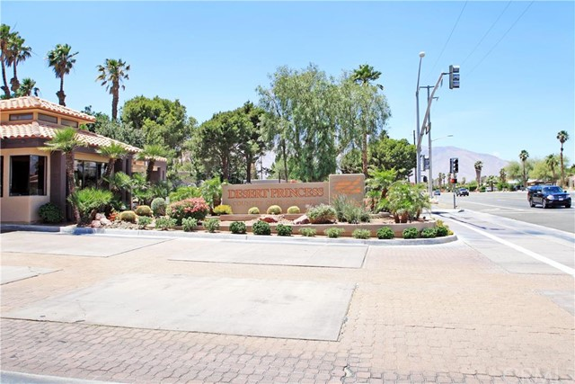 67060 #105 W Chimayo Drive 105 Cathedral City, CA 92234 is listed for sale as MLS Listing CV16116990