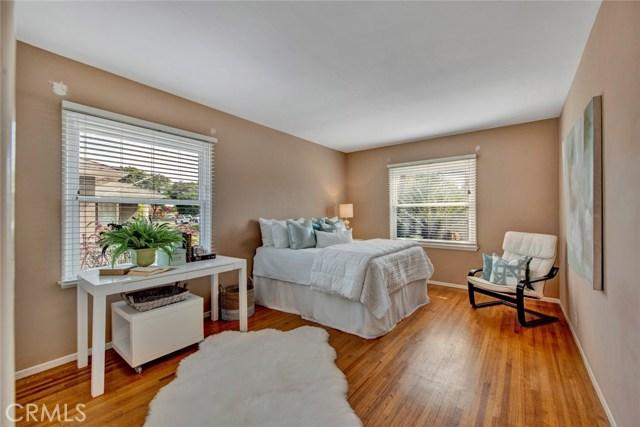 1606 N Rosewood Avenue, Santa Ana CA: http://media.crmls.org/medias/3479a471-c3b7-436a-8687-29baef4d80a3.jpg