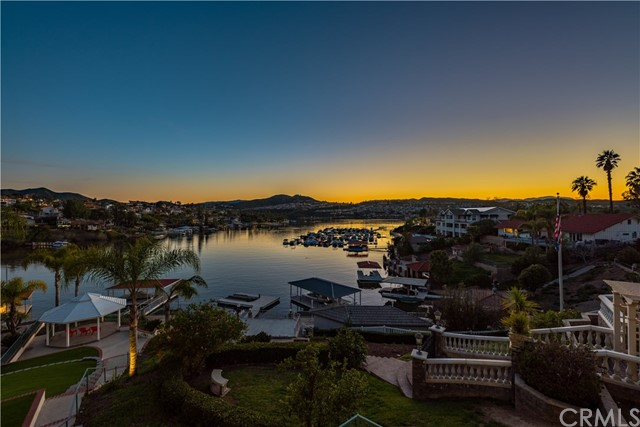22411 Canyon Club Drive, Canyon Lake CA: http://media.crmls.org/medias/347ca05e-a6db-46b1-b7db-e6ee130039e7.jpg