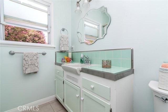 5241 Wiseburn Street Hawthorne, CA 90250 - MLS #: SB17155262