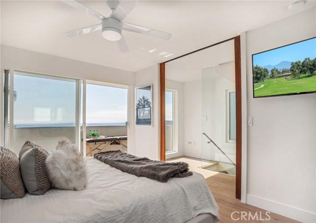 1053 Katella Street, Laguna Beach CA: http://media.crmls.org/medias/349559b6-cb15-4d98-be3b-55f0f0f5caa8.jpg