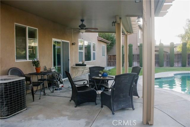 13428 Orchard Drive, Eastvale CA: http://media.crmls.org/medias/34a58436-f096-46b1-b7dc-2f81ec7f04ed.jpg