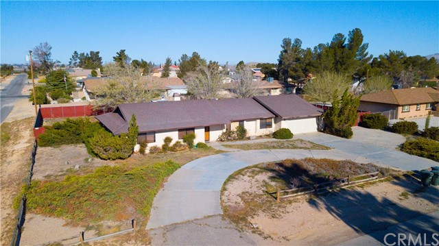 14278 Tawya Road, Apple Valley CA: http://media.crmls.org/medias/34b09f83-16ed-419f-97f4-21c9044d58a9.jpg
