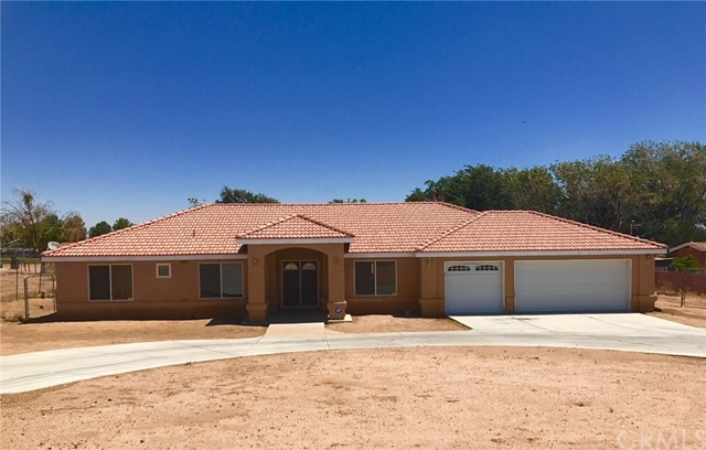 Single Family Home for Sale at 17922 Chestnut Street Hesperia, 92345 United States