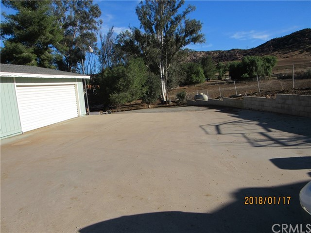 21845 TAINT PLACE, NUEVO/LAKEVIEW, CA 92567  Photo 10