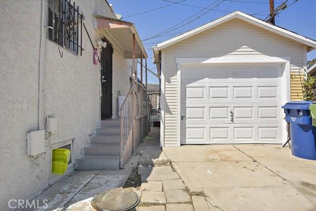 817 W 90th St, Los Angeles CA: http://media.crmls.org/medias/34d6f285-e3ec-41ab-b2cc-52baa76caea6.jpg