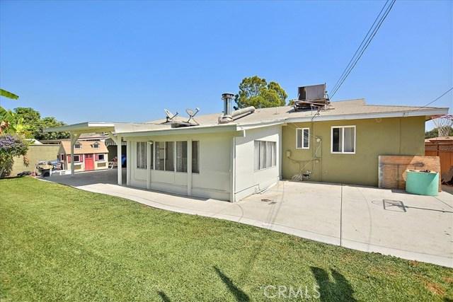 911 N Mohican Avenue, Anaheim CA: http://media.crmls.org/medias/34db94d8-0104-4960-b392-687f65910846.jpg