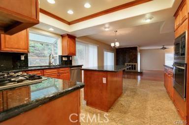 3115 E Ridgeway Road, Orange CA: http://media.crmls.org/medias/34e7034e-d7bb-410e-8d08-57d38f7ad97d.jpg