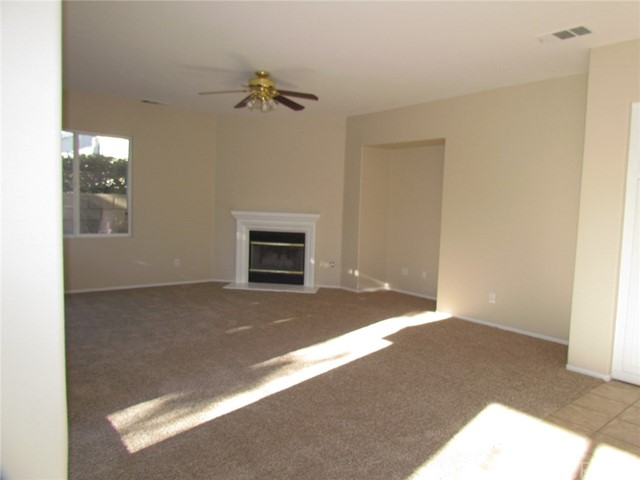 42205 57th W Street, Quartz Hill CA: http://media.crmls.org/medias/350be2d8-75ec-45fb-874b-98e21582b2b6.jpg