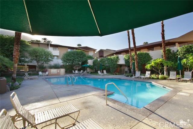 464 Calle Encilia, Palm Springs CA: http://media.crmls.org/medias/351465ba-d8ac-4101-b705-cbe24562fd29.jpg