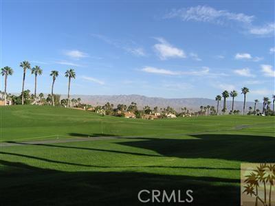 665 Vista Lago Circle, Palm Desert CA: http://media.crmls.org/medias/3517b68c-a2f1-47d9-b358-05c3634b9093.jpg