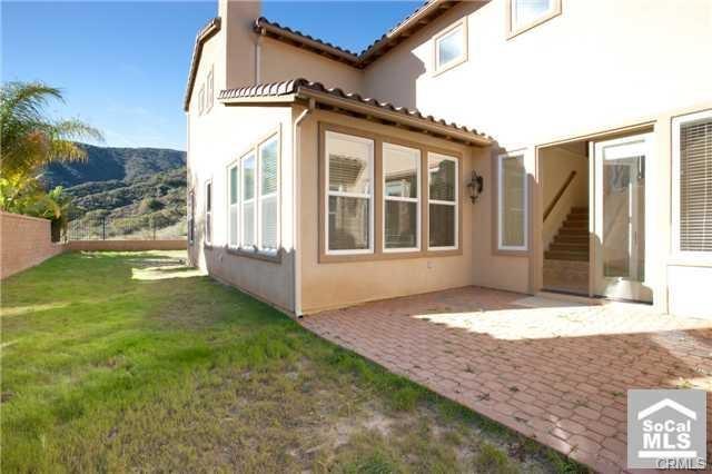 7669 Lady Banks, Corona CA: http://media.crmls.org/medias/35200208-adb3-4f88-88ad-e165b75ffd7a.jpg