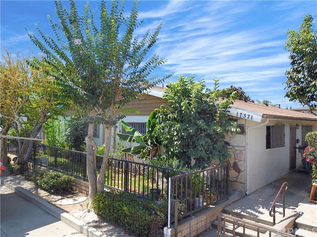 17371 Queens Ln, Huntington Beach, CA 92647 Photo