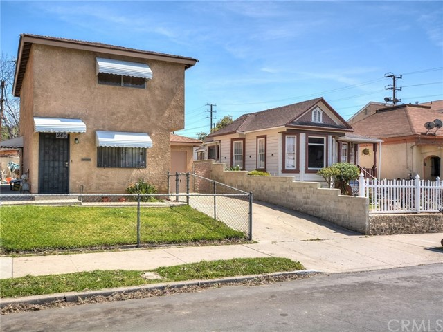 Single Family Home for Sale at 240 Avenue 24 S Lincoln Heights, California 90031 United States
