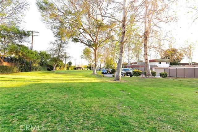 2690 W Almond Tree Ln, Anaheim, CA 92801 Photo 25