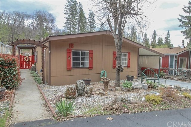 Detail Gallery Image 1 of 24 For 39737 Road 274 #15, Bass Lake, CA 93604 - 3 Beds | 2 Baths