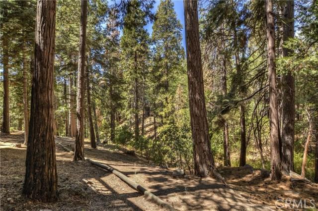 622 Grass Valley Road, Lake Arrowhead CA: http://media.crmls.org/medias/353b3a38-914f-40f0-8c11-fd3450d7e505.jpg