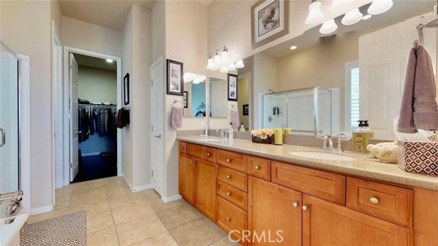 10357 Darby Road, Apple Valley CA: http://media.crmls.org/medias/355034e3-b476-4e7d-8782-3f1768dd69e8.jpg