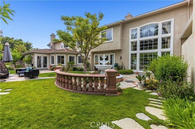 5100 E Copa De Oro Drive, Anaheim Hills CA: http://media.crmls.org/medias/355e0486-2877-4309-a24c-6fa431770bdb.jpg